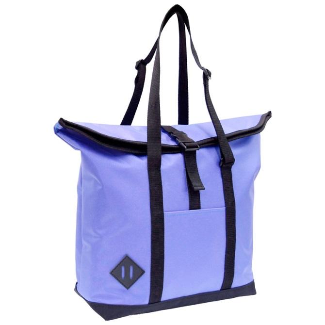 A4サイズのトートバッグ。 ちょうど良い大きさと、カバンの中身が見えない&雨に濡れない工夫。